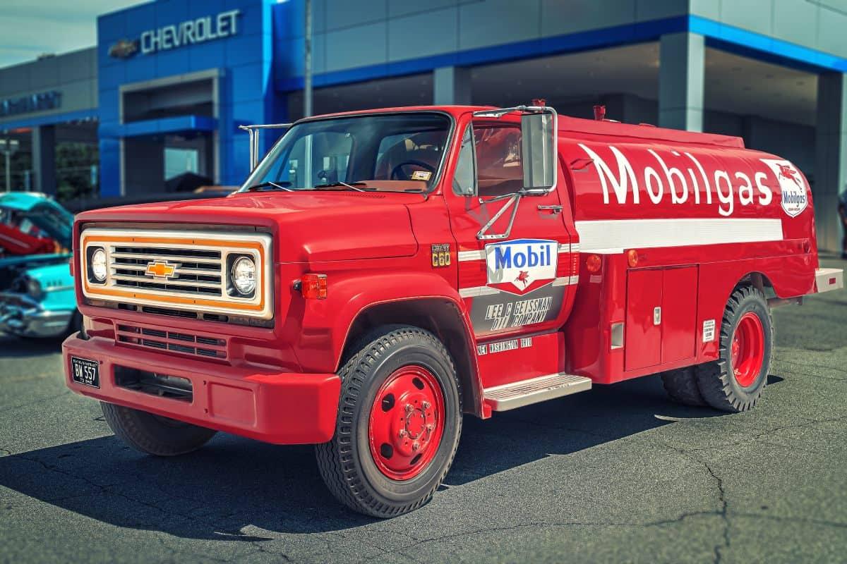 Alter Mobilgas Truck