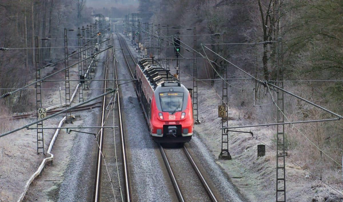 train-4752539_1280 (1)