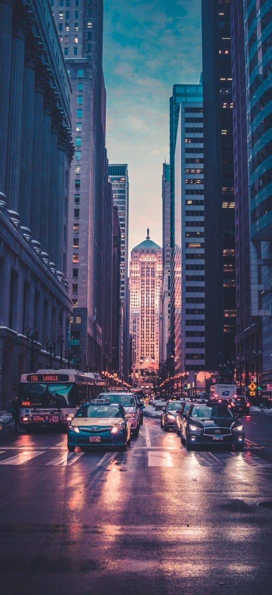 Im Hintergrund ist die Chicago Board of Trade Börse zu sehen