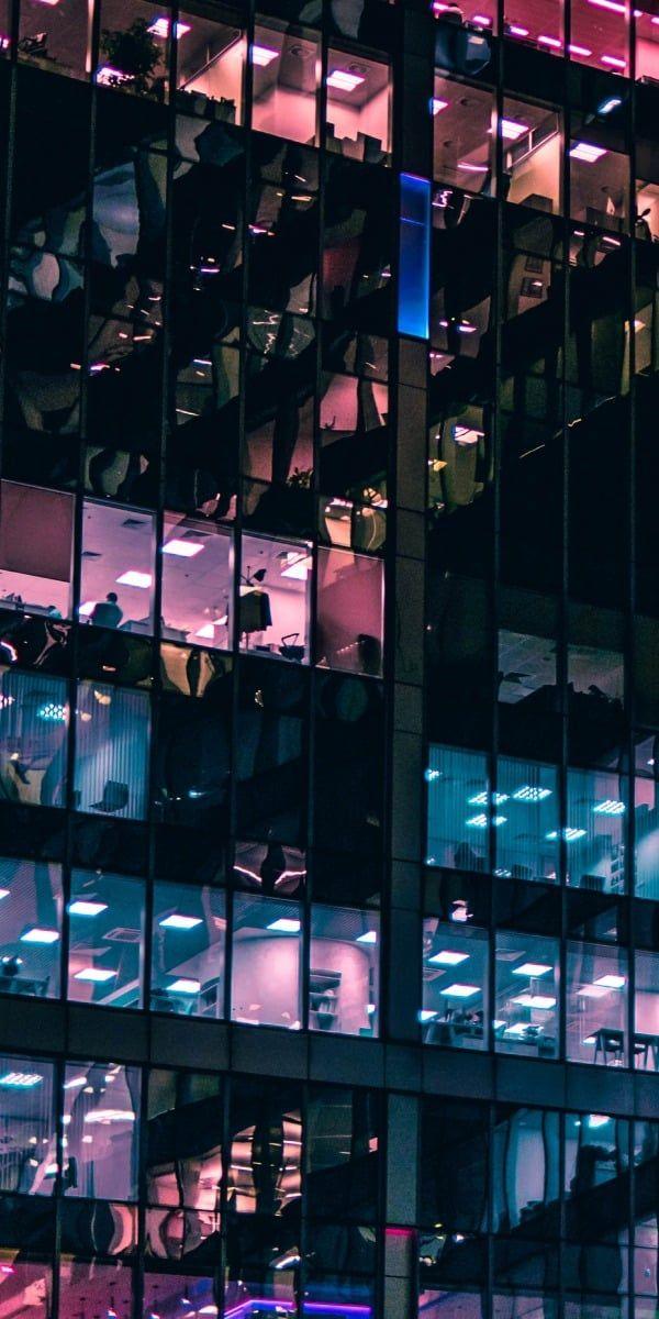 Momentan beschäftigt Accenture unglaubliche 569 Tausend Mitarbeiter